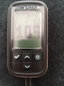 Fiquei feliz hoje de manhã ao ver 109 batendo no monitor de glicose